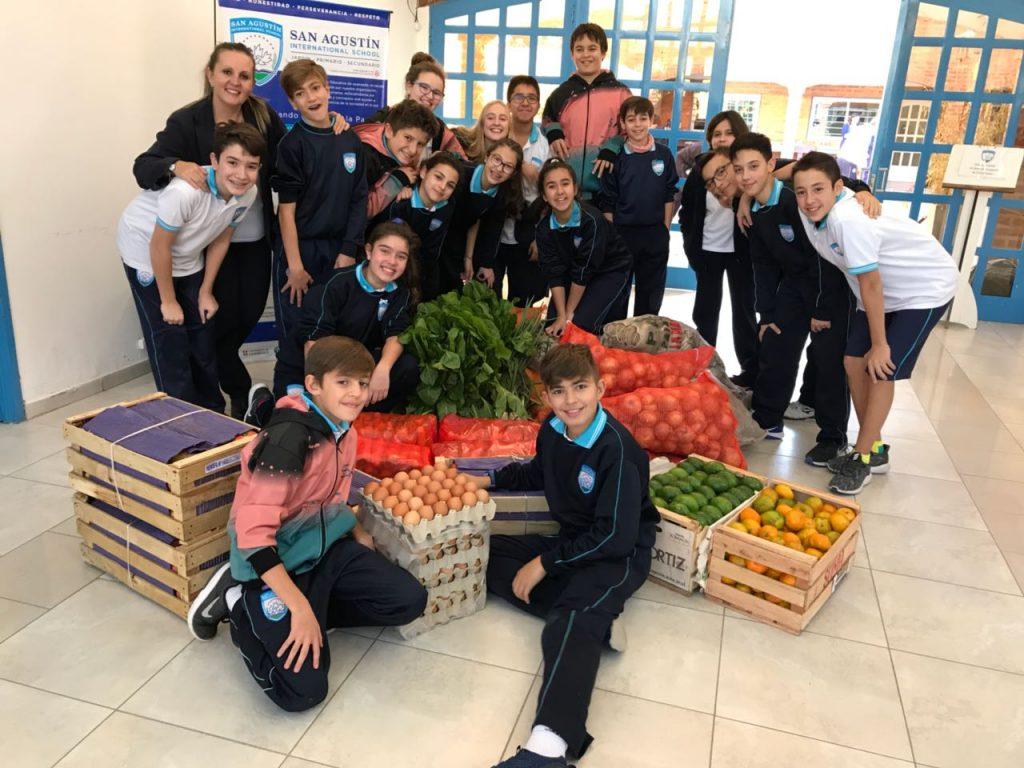 Ayudamos al comedor Caritas Felices